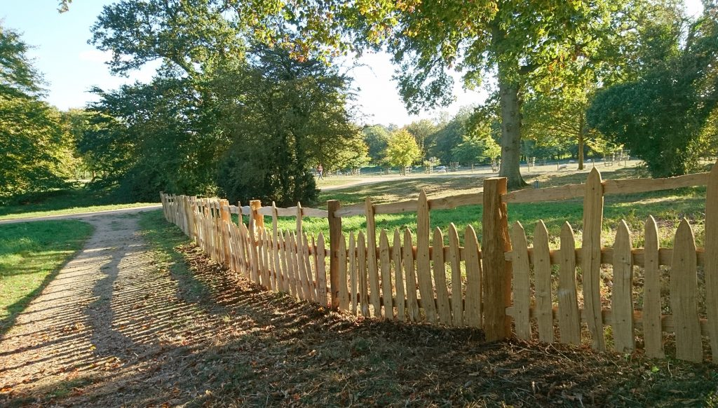 #Stowe fence #Stowe Paling #Oak fence #cleft oak #National Trust fence